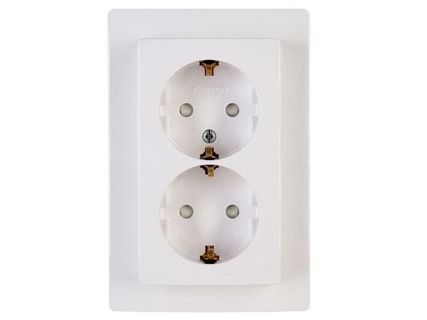 Schutzkontakt-Steckdose 2-fach mit erhöhtem Berührungsschutz rein-weiß Serie Venedig - Kopp