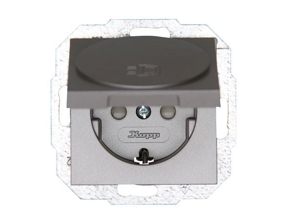 Schutzkontakt-Steckdose mit Deckel und erhöhtem Berührungsschutz Serie Athenis stahl Kopp 940147089