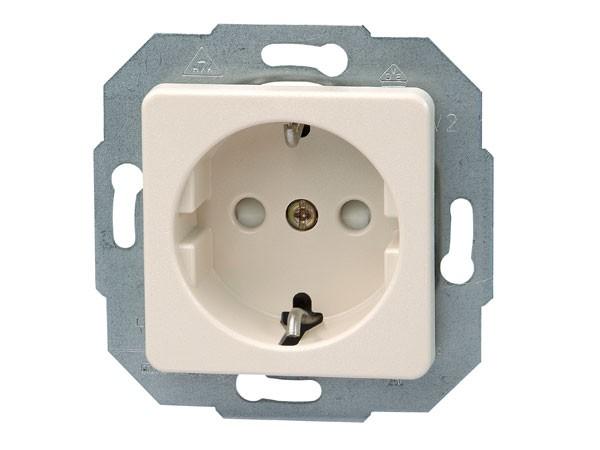 Schutzkontakt-Steckdose mit erhöhtem Berührungsschutz Serie Europa creme-weiß Kopp (112601087)